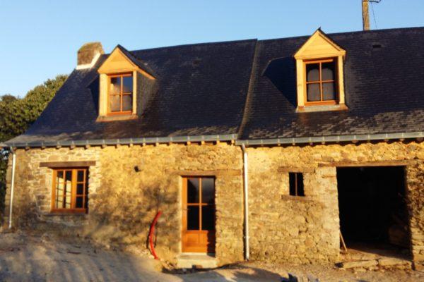 Renovation de longere en pierre facade-